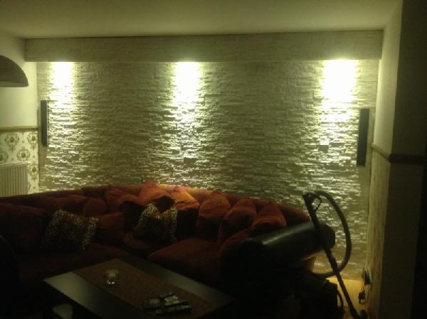 weisse marmor quarzit naturstein wand verblender riemchen von modernstone fliese. Black Bedroom Furniture Sets. Home Design Ideas